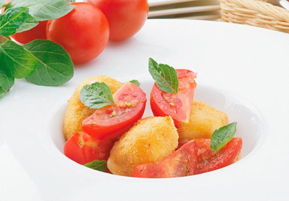 モッツァレラチーズのフリット トマトのスープサラダ